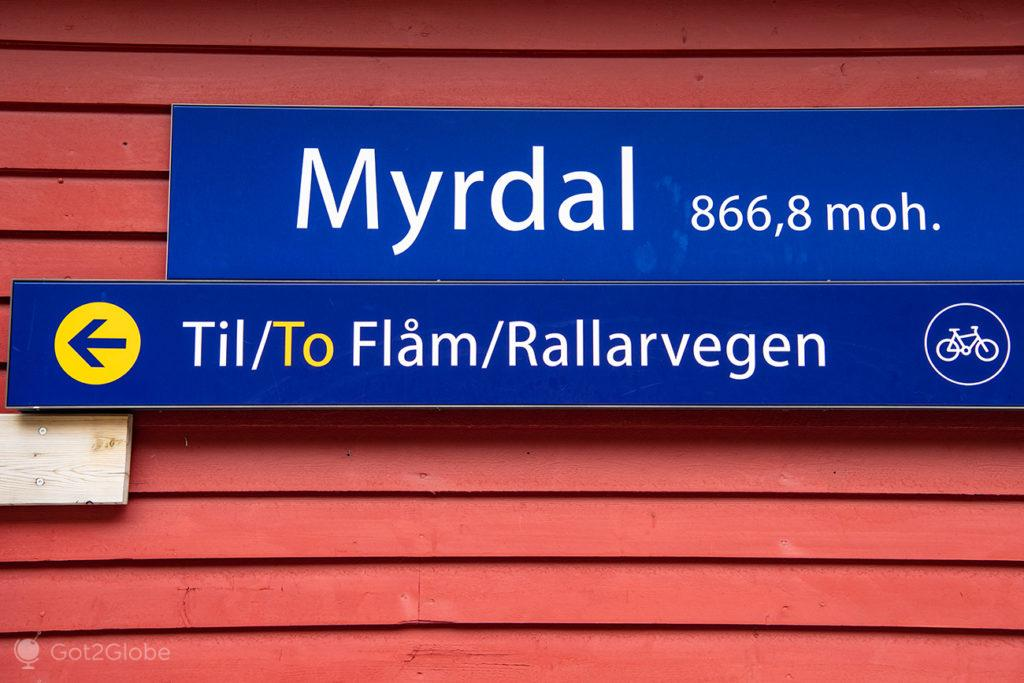 Placa da estação do Flam Railway de Myrdal, Noruega.