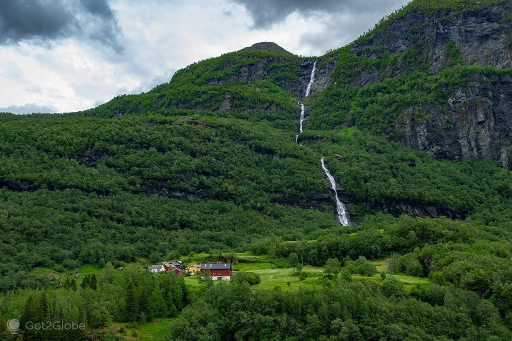 Queda d'água, Flam Railway, Noruega