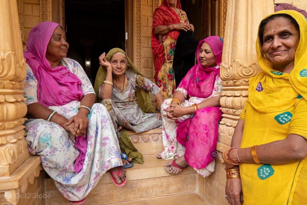 Convívio em saris, Jaisalmer, Rajastão, India