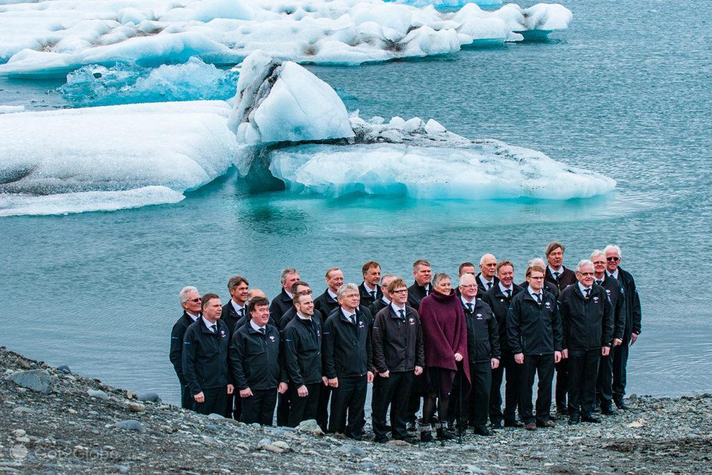 Foto de grupo de visitantes lagoa de Jökursarlón, Islândia
