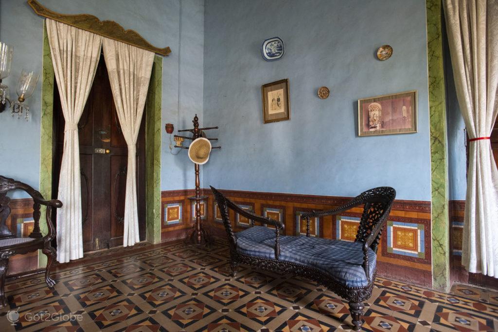 Assento-do-amor, Casa Menezes Bragança, Chandor, Goa, India