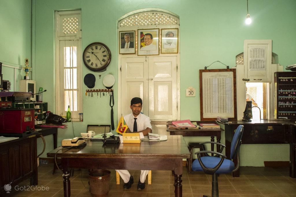 Chefe de estação ferroviária Ella, Sri Lanka