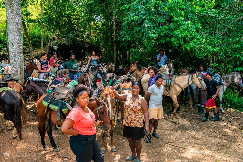 Guias de passeios a cavalo, Cascada Limón, Península Samaná, República Dominicana