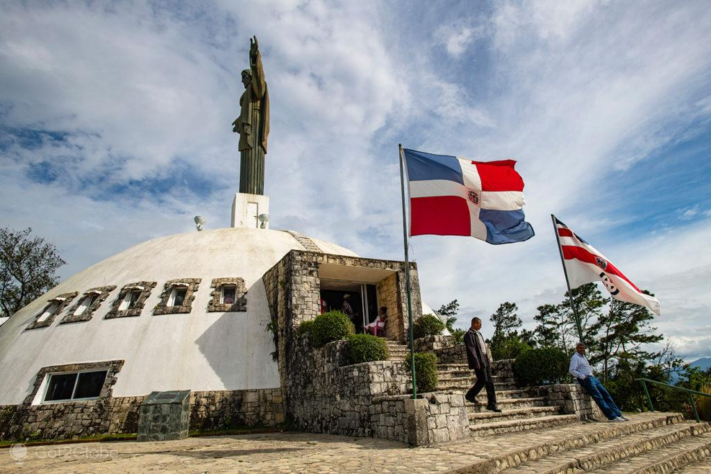 Vendedores na base da estátua Cristo Redentor, Puerto Plata, Rep. Dominicana