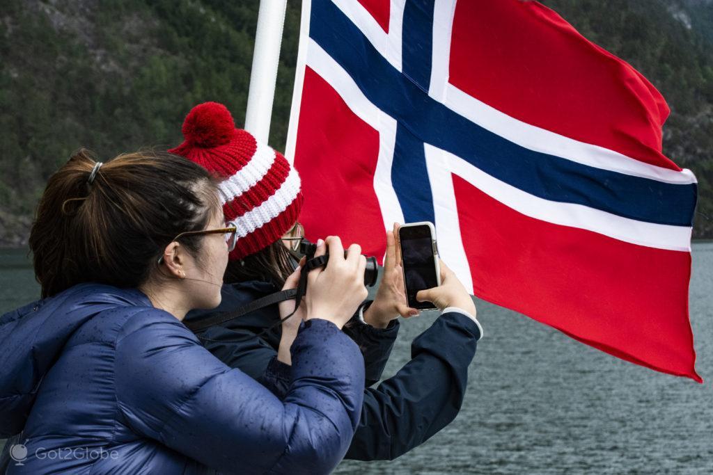 Entusiasmo fotográfico, ferry M:S Viking Tor, Aurlandfjord, Noruega