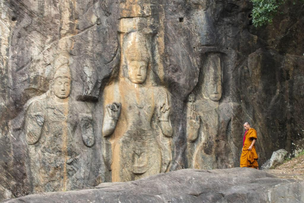 Monge Budista, esculturas de Buduruwagala, Sri Lanka