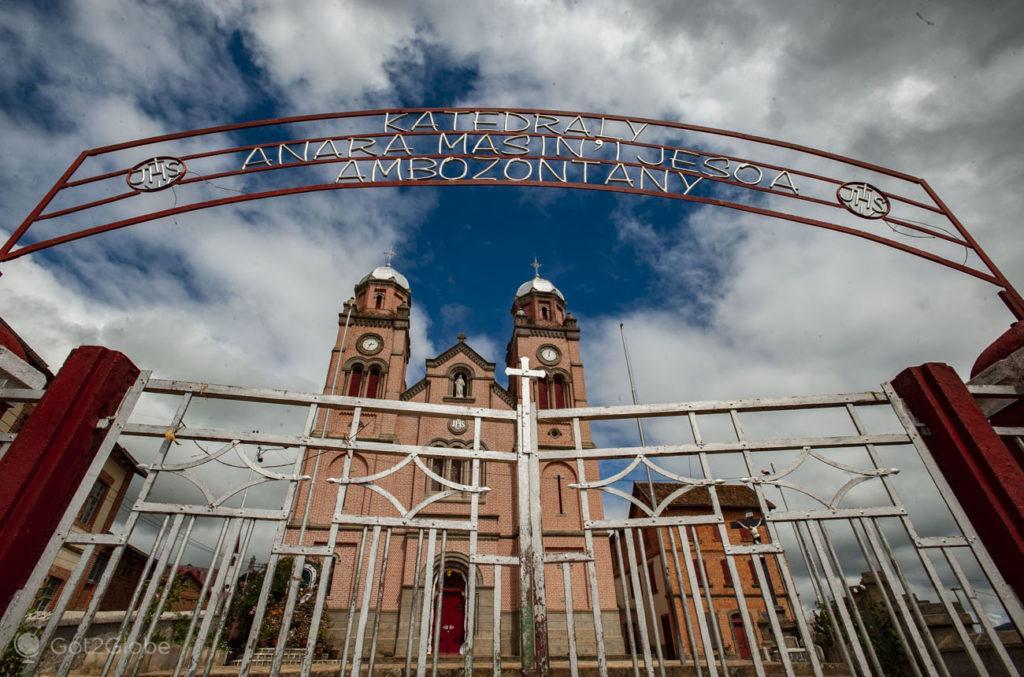 Catedral de Ambonzontani, Fianarantsoa, Madagascar