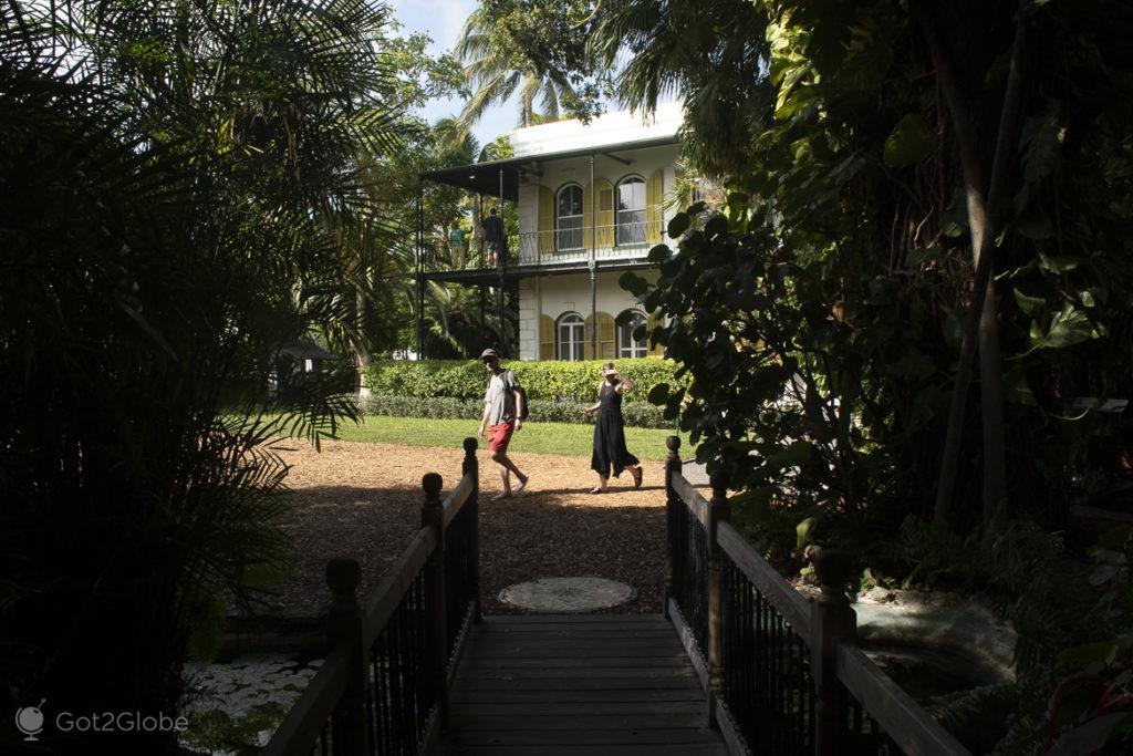 Visitantes da casa de Ernest Hemingway, Key West, Florida, Estados Unidos