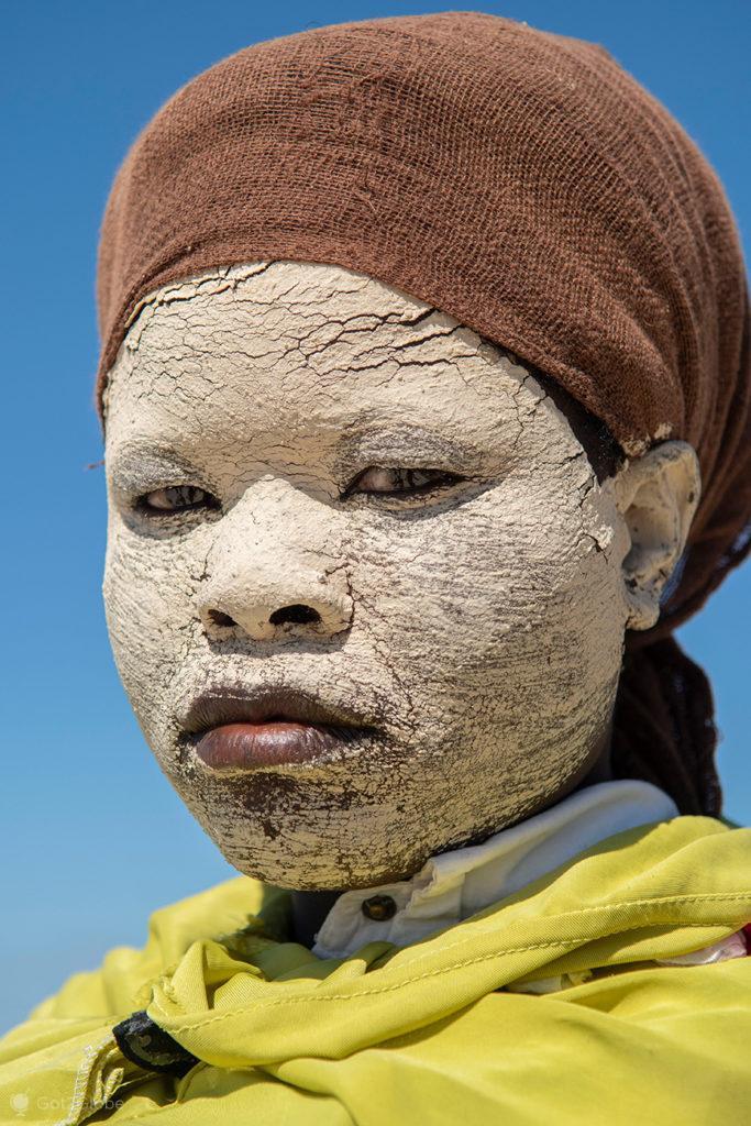 máscara de mussiro, ilha Quirimbo, Moçambique