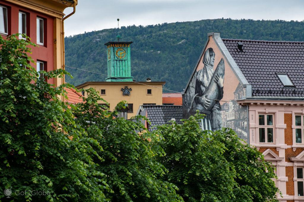 Mural num edifício, Bergen, Noruega