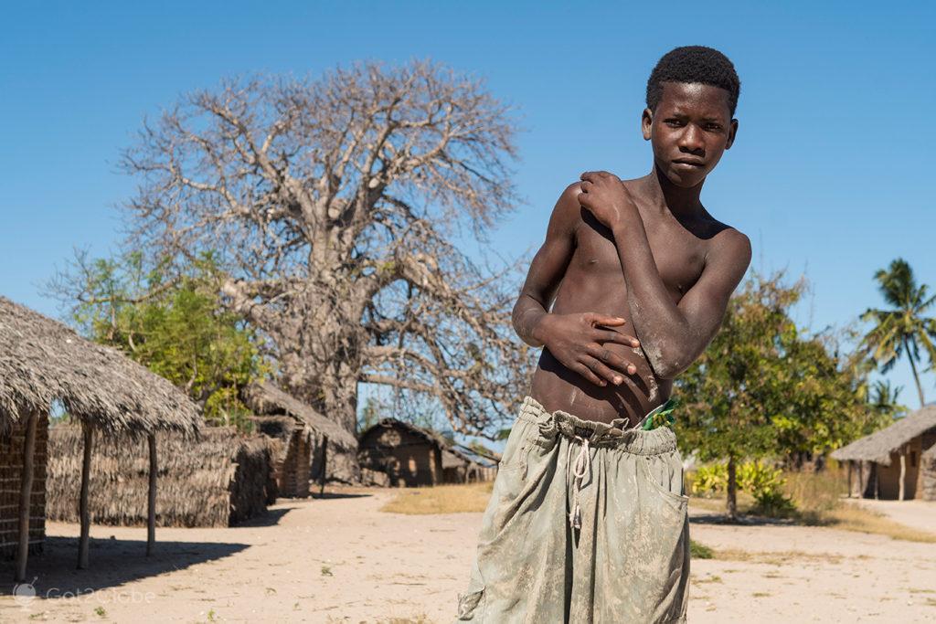 Jovem morador, ilha Quirimba, Moçambique