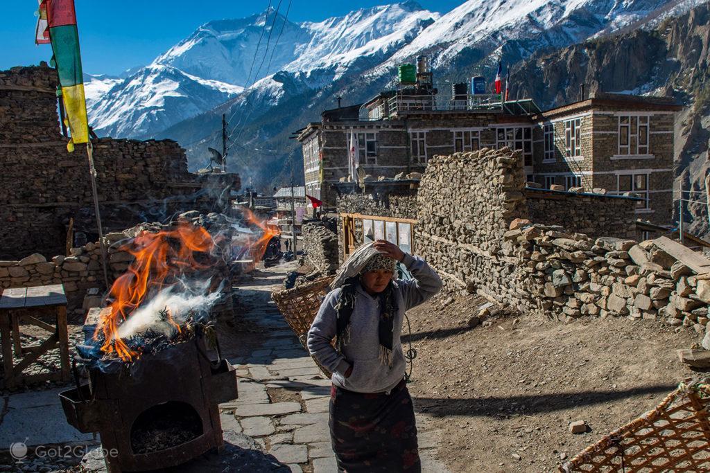 Fogueira, Manang, Circuito Annapurna, Nepal