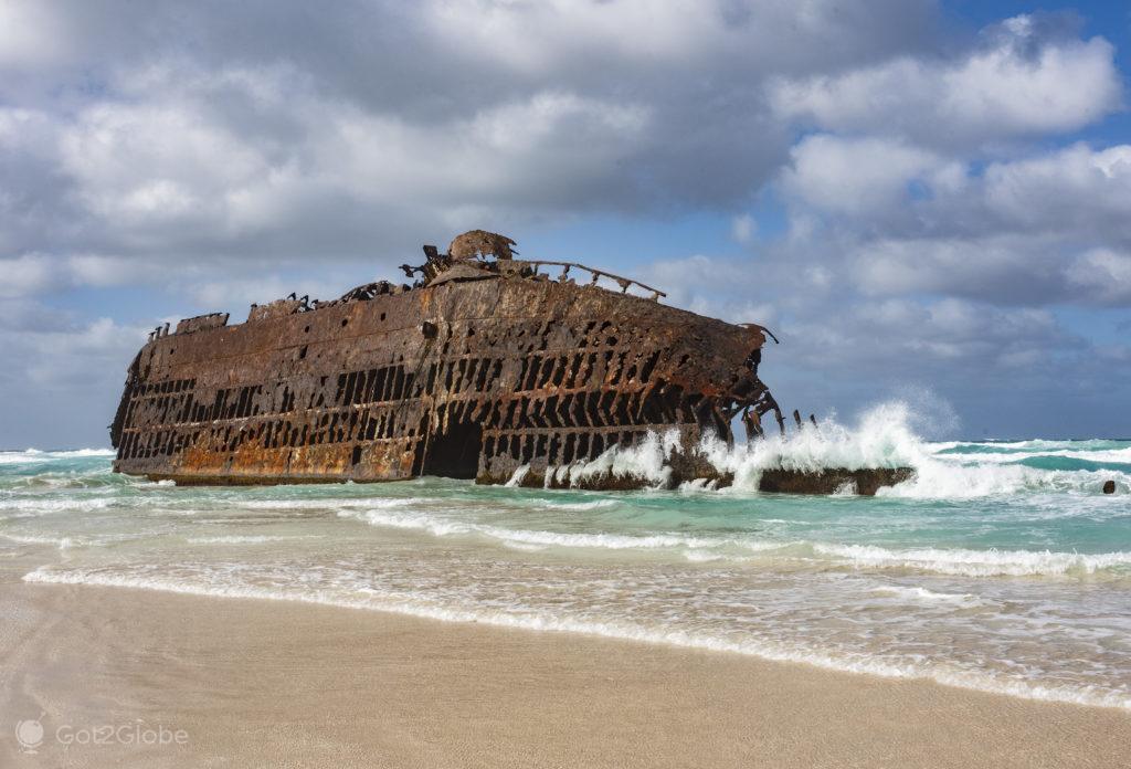 Cargueiro Cabo Santa Maria, Ilha da Boa Vista, Cabo Verde, Sal, a Evocar o Sara