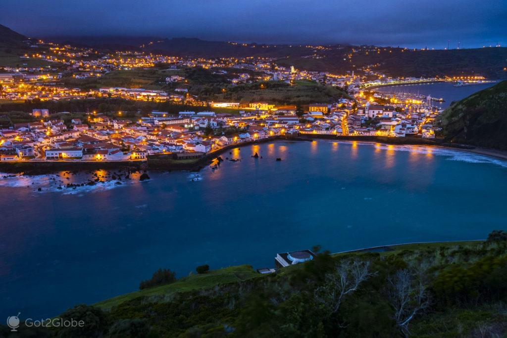 Horta ao lusco-fusco, Faial, Cidade que dá o Norte ao Atlântico