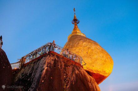 Rocha Dourada de Kyaikhtiyo, Budismo, Myanmar, Birmania