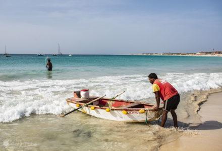Santa Maria, ilha do Sal, Cabo Verde, Desembarque