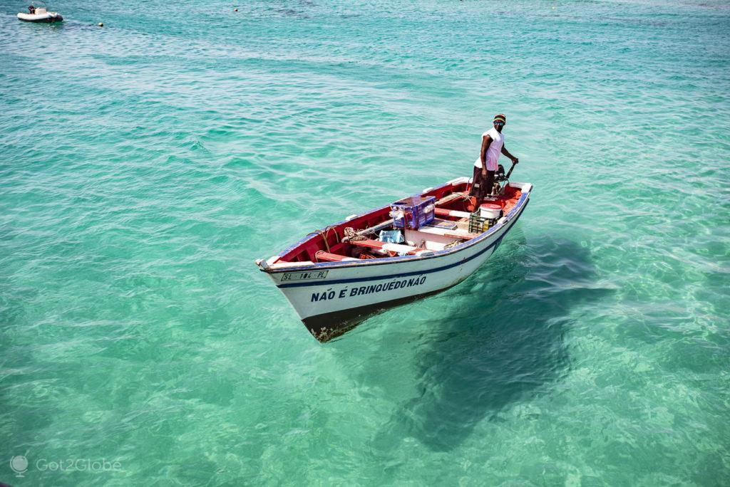 Santa Maria, ilha do Sal, Cabo Verde, barco