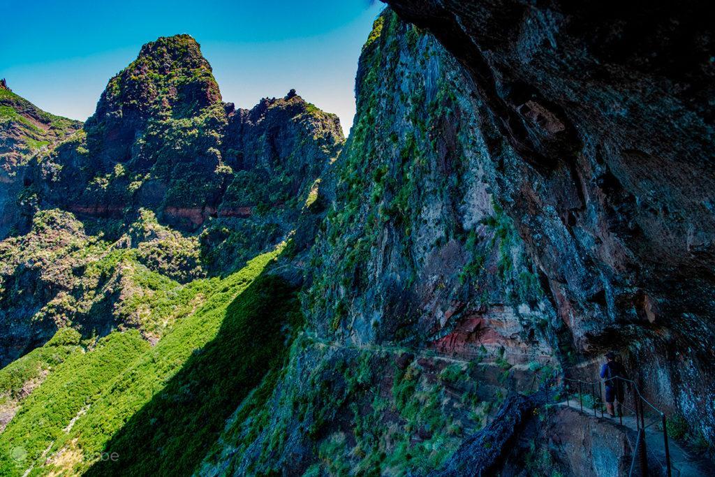 Trilho sombrio, Pico do Arieiro ao Pico Ruivo, Ilha da Madeira, Portugal