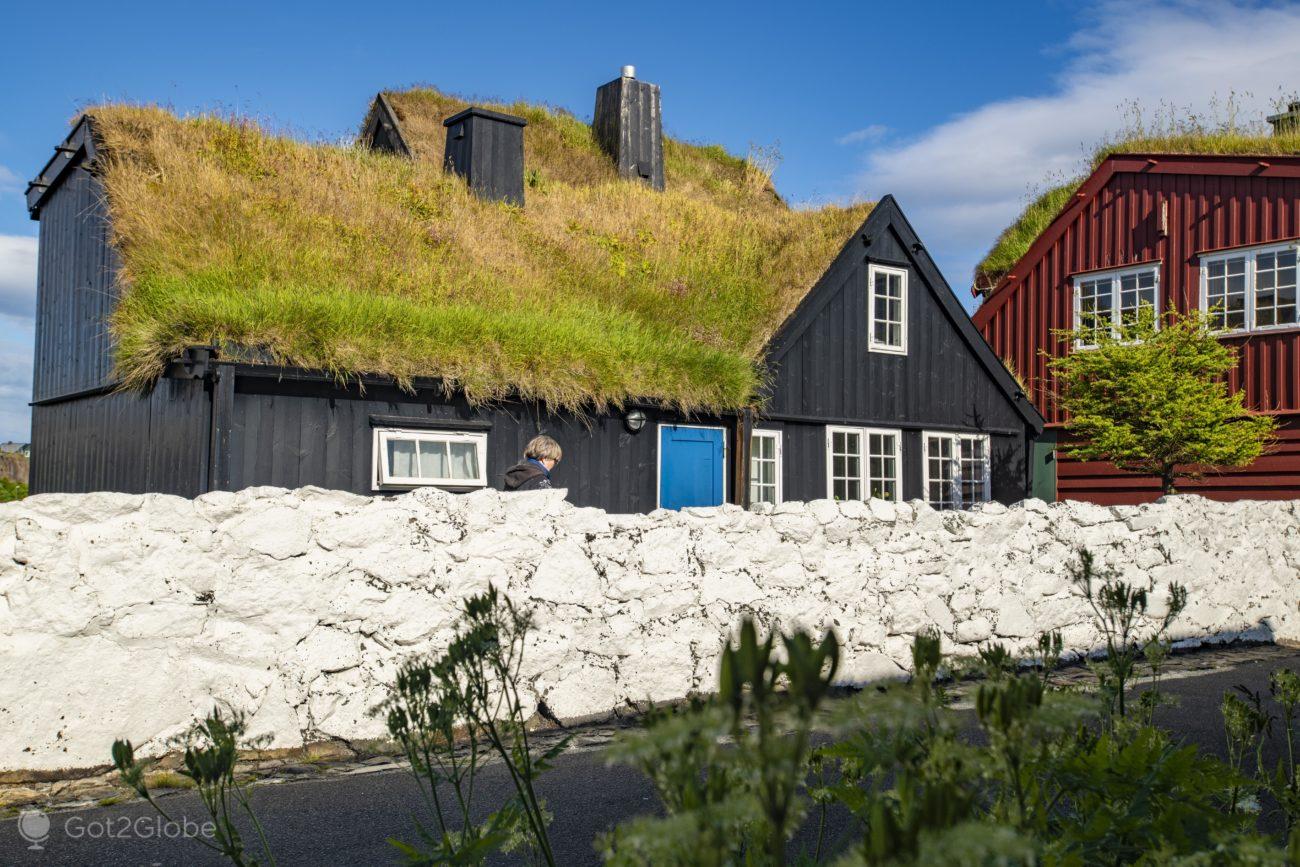 Torshavn, Ilhas Faroe, Lar de turfa