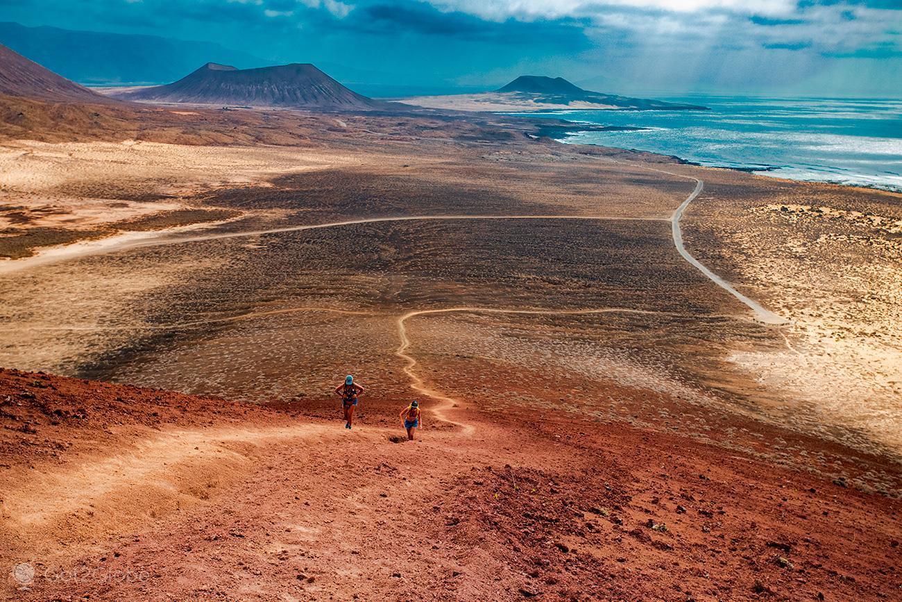Ascensão da Montaña Bermeja, La Graciosa, Ilhas Canárias, Espanha