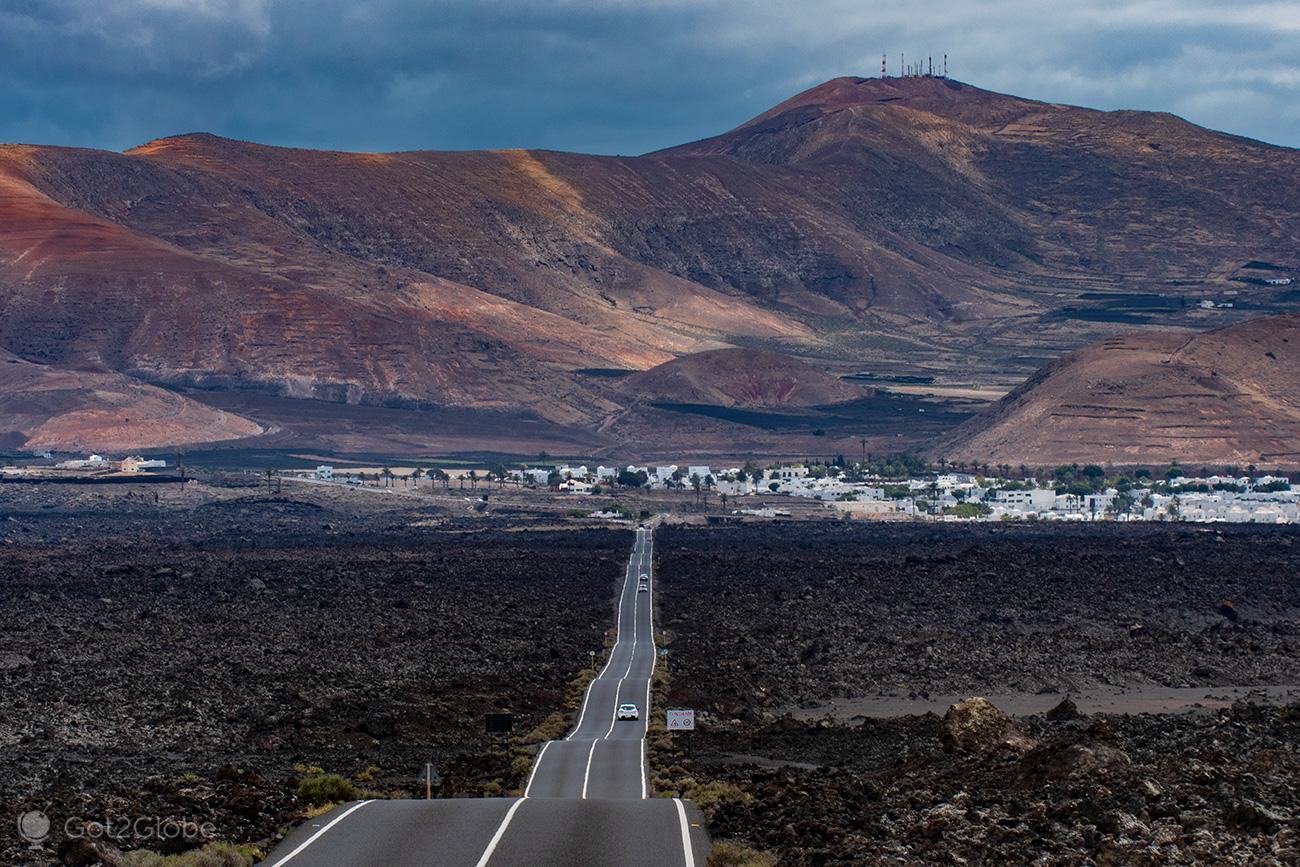 PN Timanfaya, Montanhas de Fogo, Lanzarote, Lava Encordoada, estrada entre Yaiza e a entrada do Parque