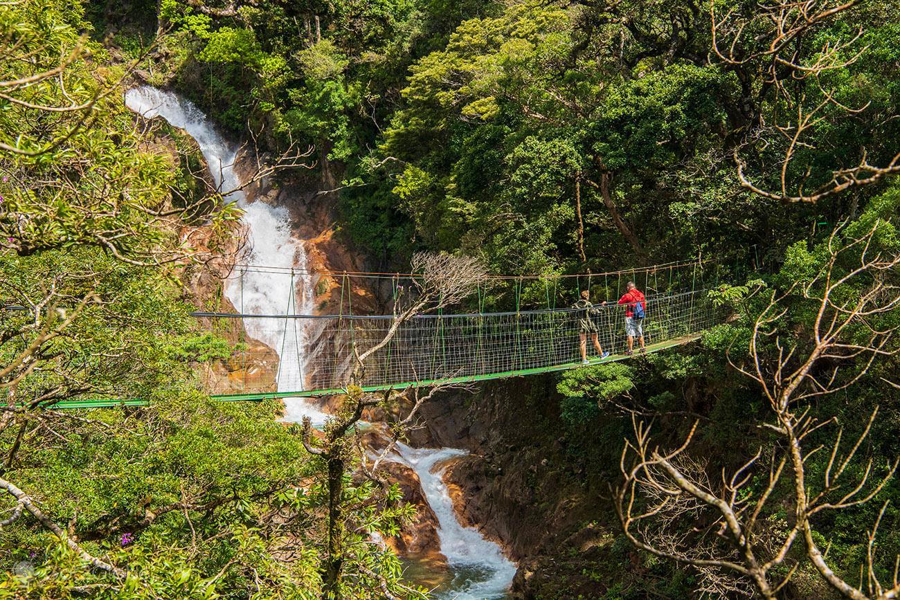 Ponte suspensa, vulcão Miravalles, Costa Rica